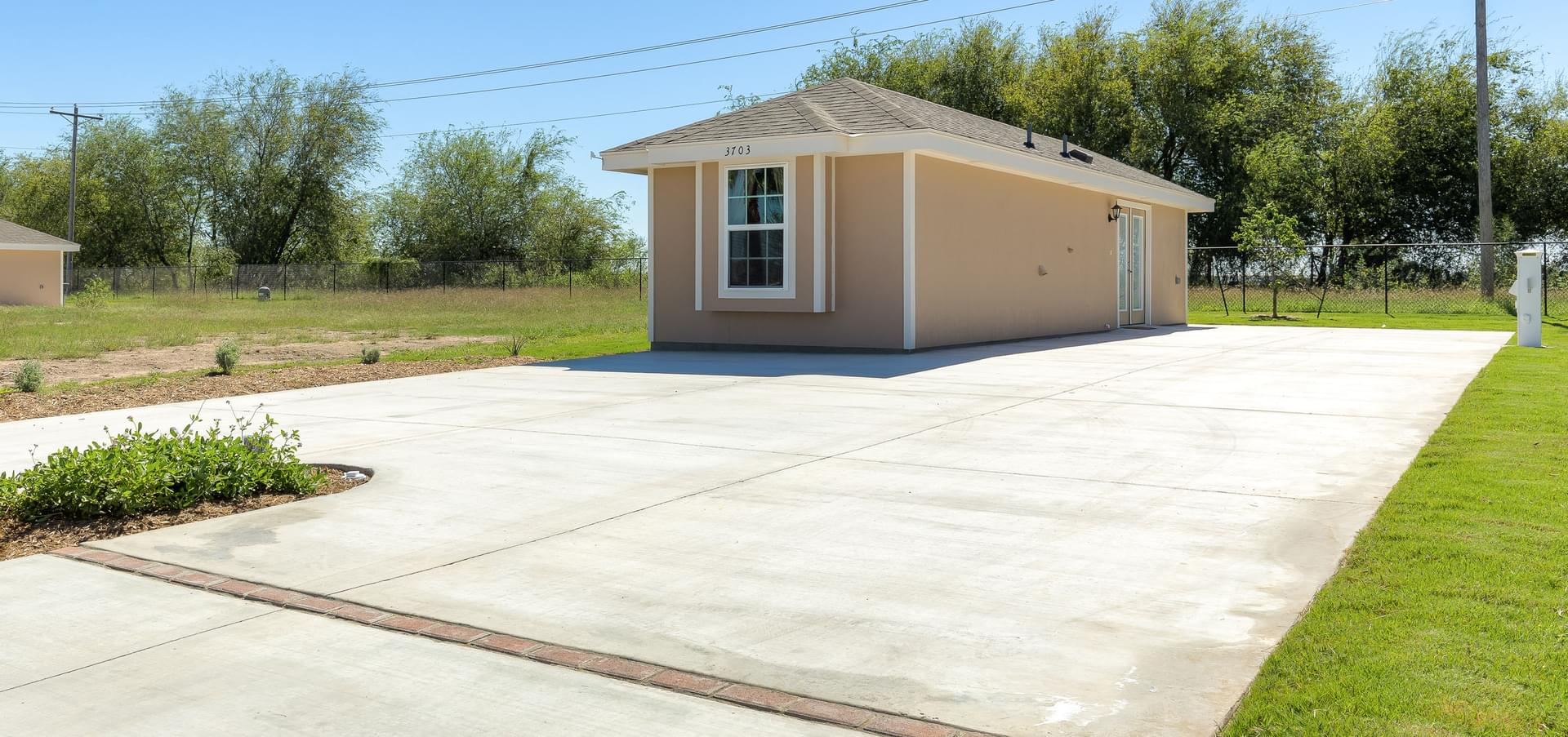 The RV Deluxe Coach House new home in Mission , TX